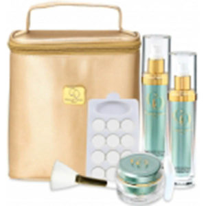 Camille Obadia Oxygenation Kit is perfect for all skin giving deep vital oxygenation of cutaneous tissue.